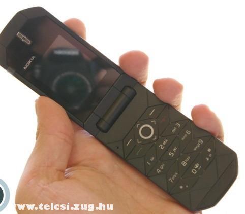Nokia 7070 Prism kinyitva