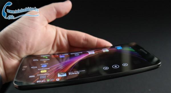 LG G Flex - Görbe mobil